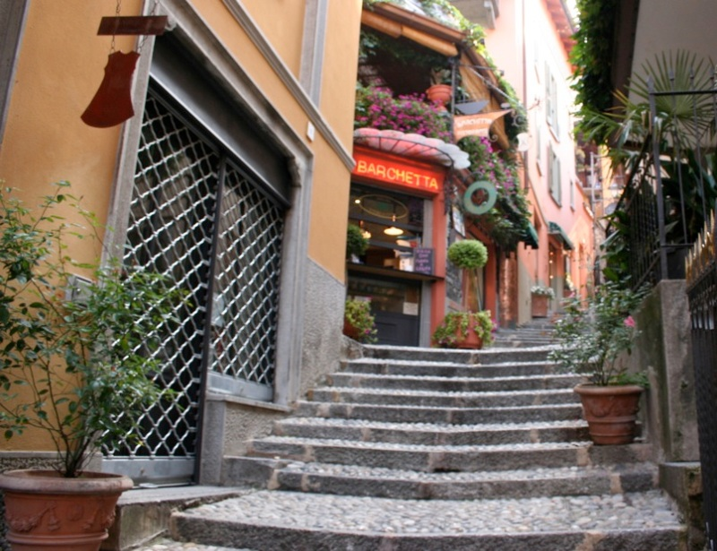 Bellagio's cobbled pathways and stairs