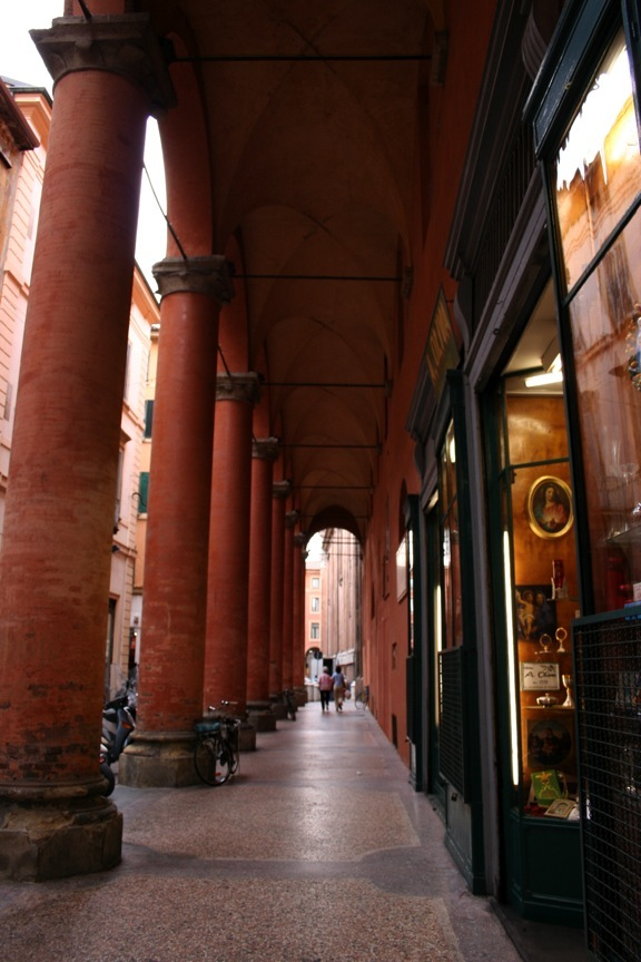 One of Bologna's many arcades