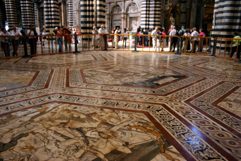 The Duomo's flooring is an artistic achievement