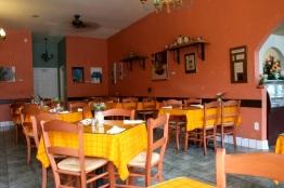 Inside Molés La Tia