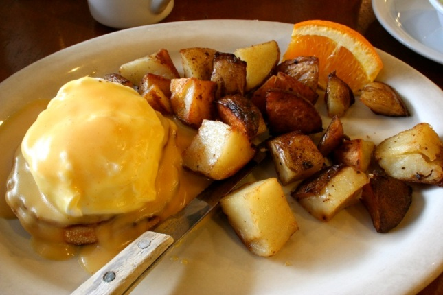 Eggs benedict for breakfast at Redwood Cafe