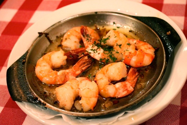 Prawns in sizzling garlic oil