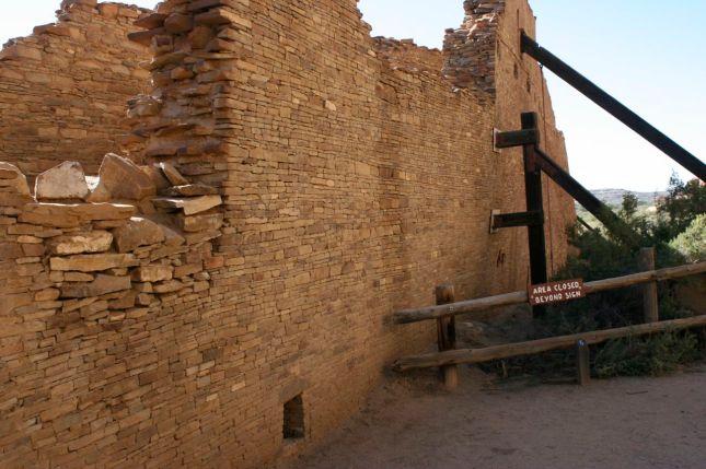 Buttresses shore up sagging walls in Pueblo Bonito