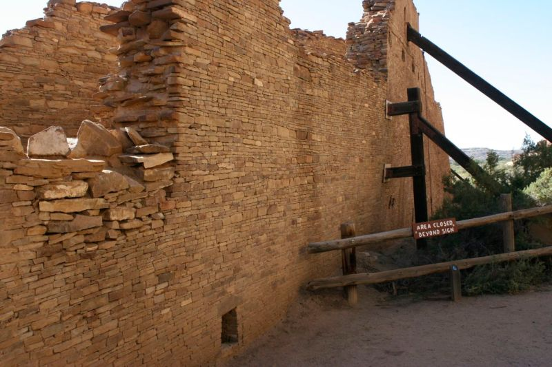 Buttresses shore up sagging walls in Pueblo Bonito