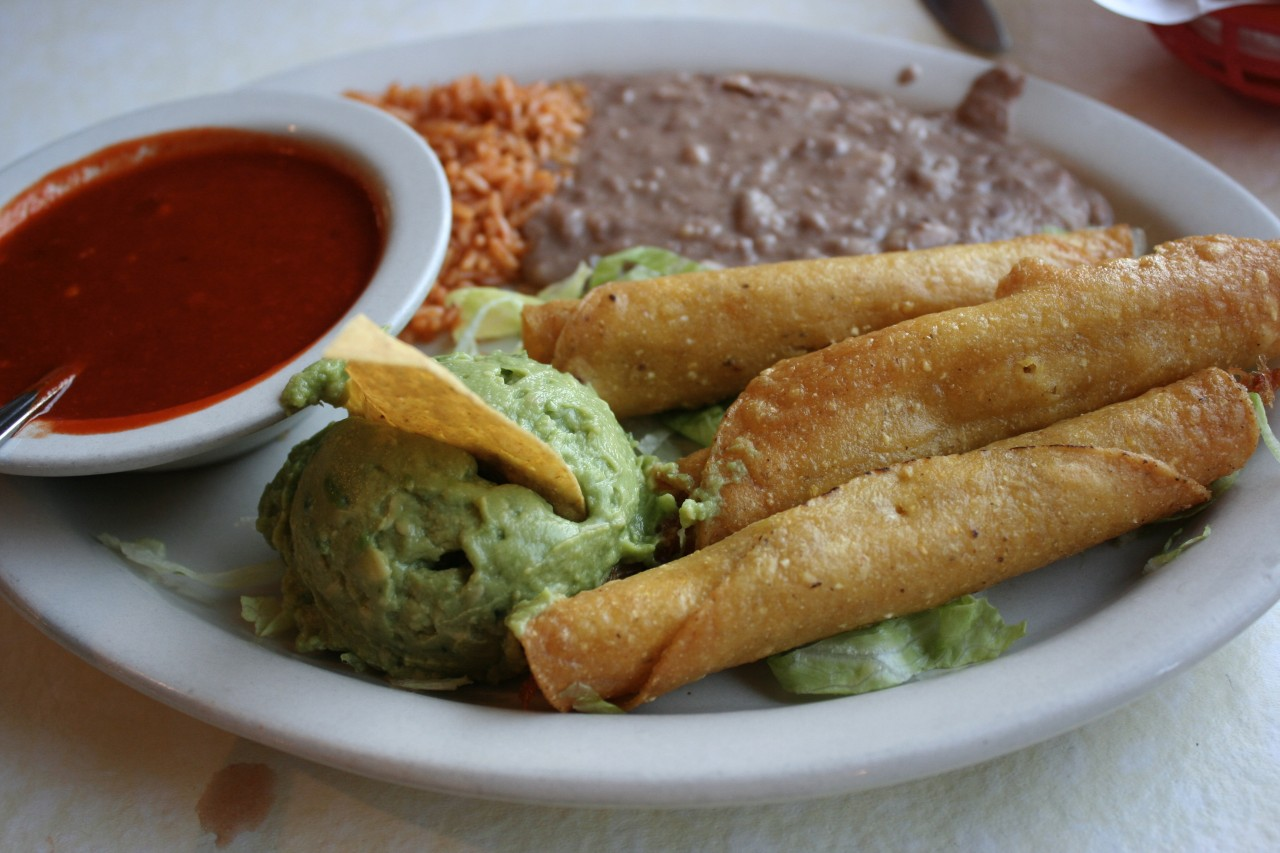 Chicken flautas plate