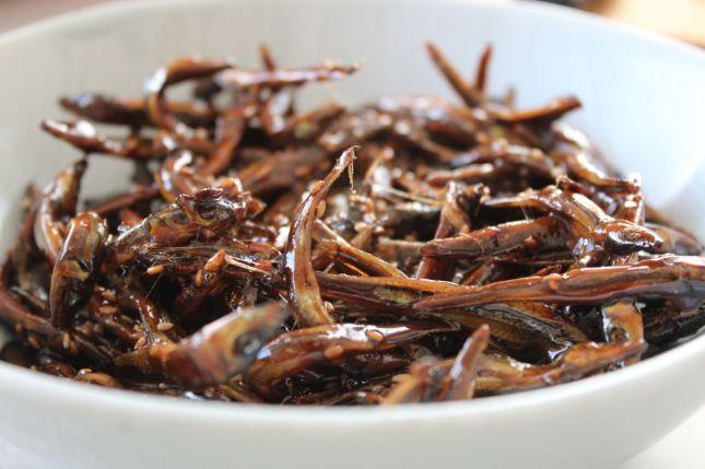 Tazukuri (glazed sardines)