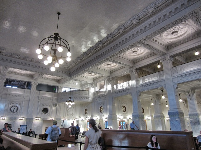 King Street Station ticketing and waiting area