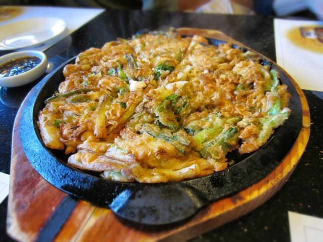 Seafood pancake (haemul pajeon)
