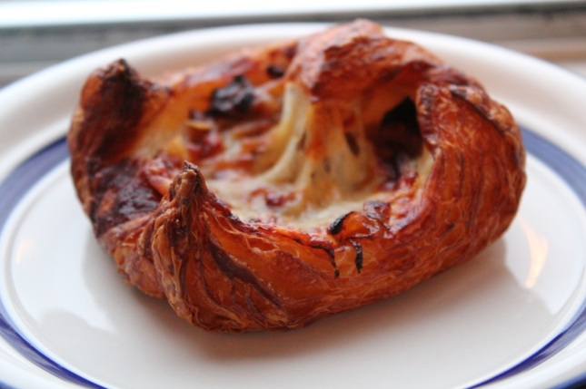 Sweet onion and gruyère croissant