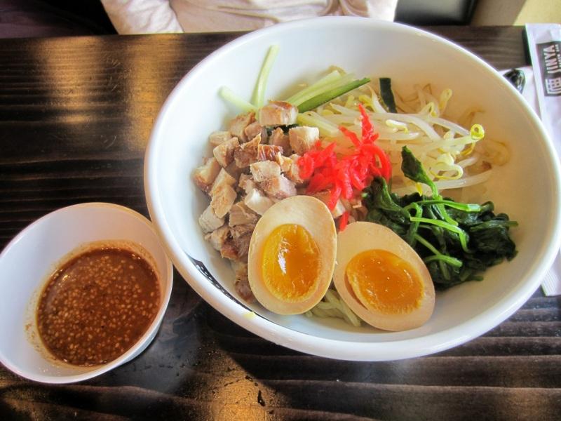 Hiyashi (cold ramen)