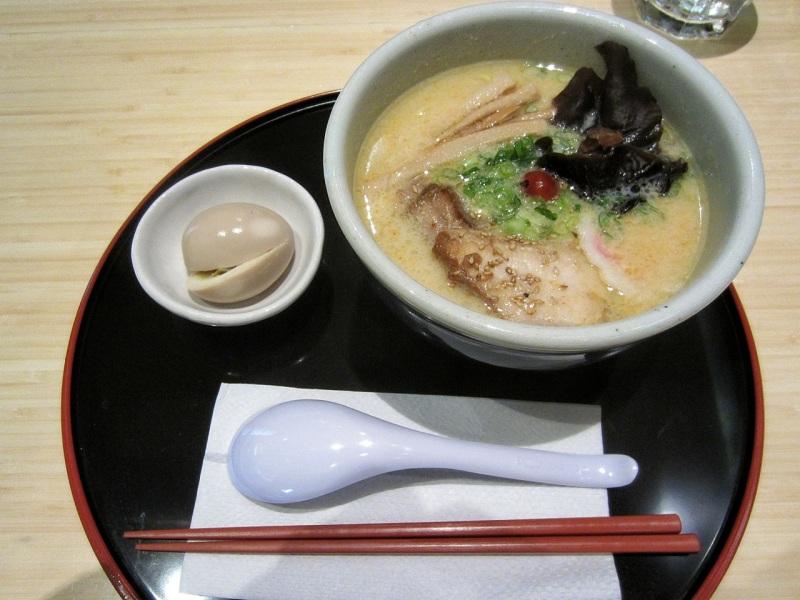 Tonkotsu shio ramen