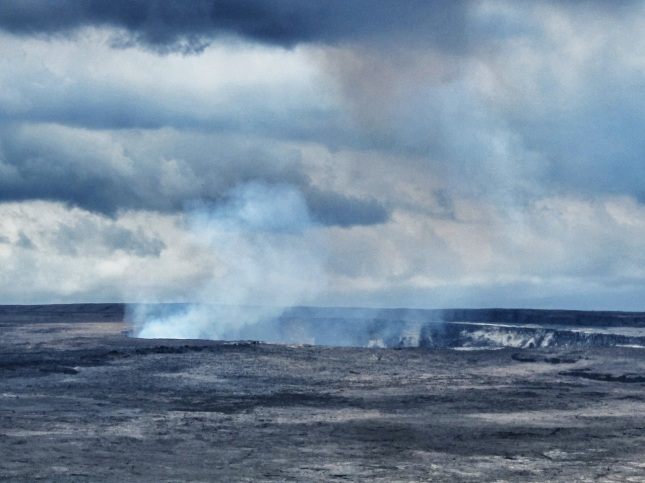 Kilauea releases volcanic gases