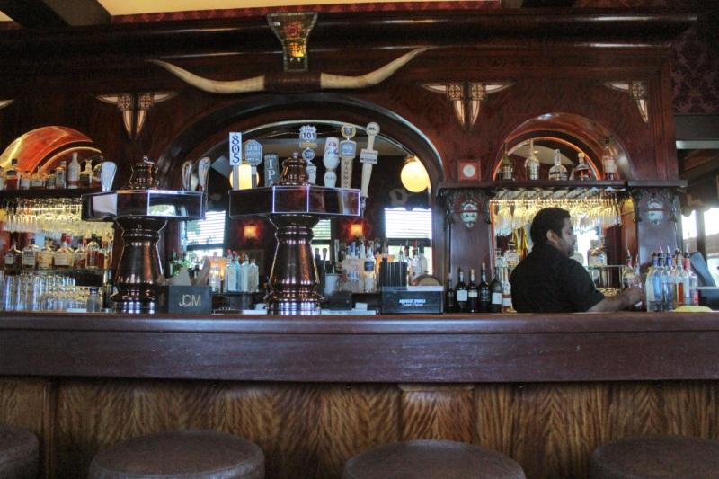 Far Western Tavern bar