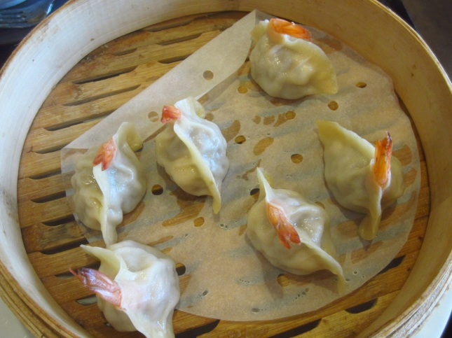 Steamed shrimp and pork dumplings