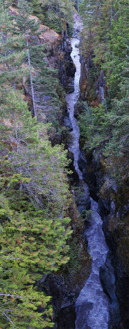 Box Canyon, Cowlitz River (click to enlarge)